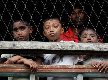 2012-06-15T_MYANMAR-VIOLENCE