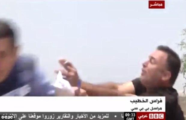 Video un journaliste de bbc arabic agress par un colon - Que veut dire bbc ...