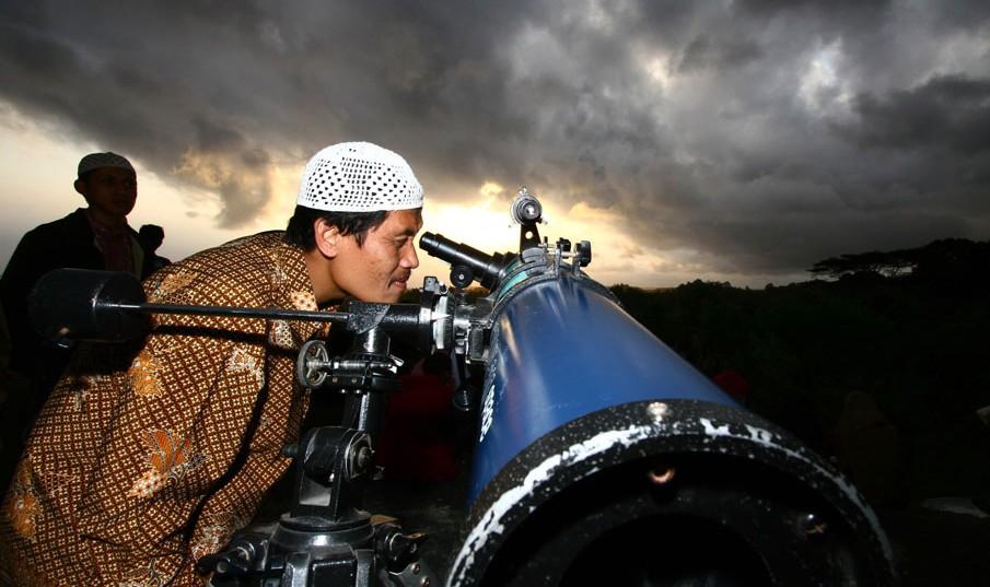 INDONESIA-RELIGION-ISLAM-RAMADAN-20110801-034137