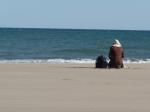 femme voilée plage