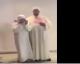 Cette grand-mère de 73 ans finit l'apprentissage du Coran et nous !? | VIDEO