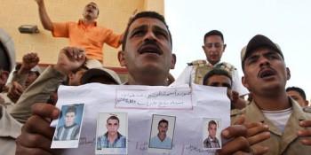3409574_3_5efa_des-policiers-egyptiens-manifestent-le-20-mai_b487b4b91a682c61bd9d4ab8915a0567