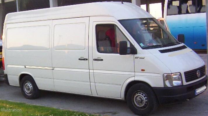 une camionnette tente d 39 craser une femme musulmane et ses trois enfants islam info. Black Bedroom Furniture Sets. Home Design Ideas