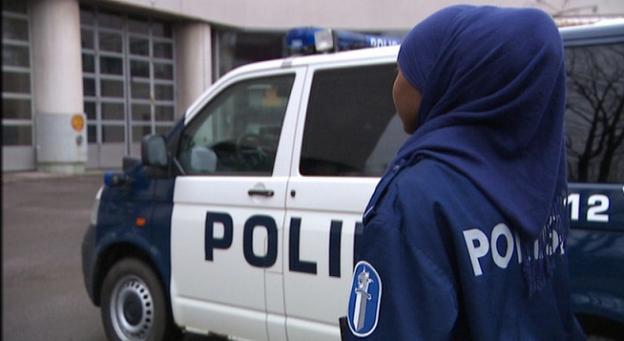 Pays Bas : Les policières musulmanes pourront...