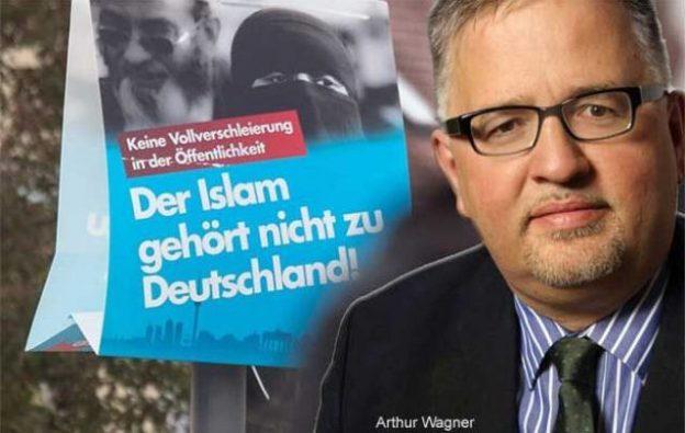 Allemagne : un politicien d'extrême droite se...