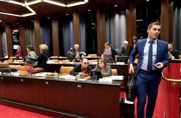 J.Odoul qui a agressé la femme voilée devant la Justice
