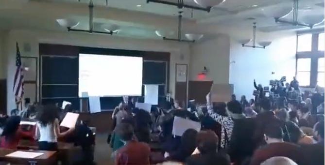 Harvard : Des étudiants ont quitté la fac lors de l'allocution de l'ambassadeur israélien