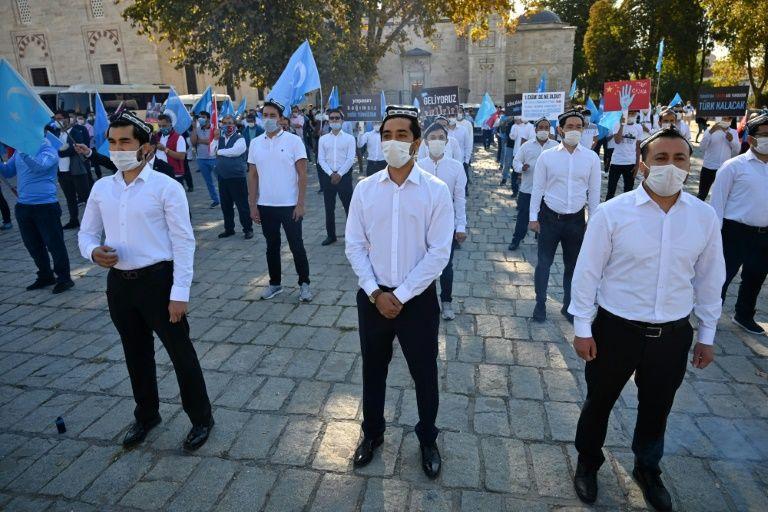 TURQUIE : UNE MANIFESTATION CONTRE LE TRAITEMENT DES OUIGHOURS EN CHINE !