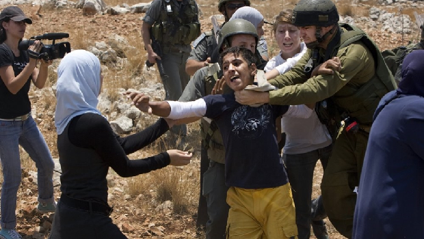 "HUMAN RIGHTS WATCH: ""l'israel A MIS EN PLACE UN APARTHEID CONTRE LES PALESTINIENS!"""